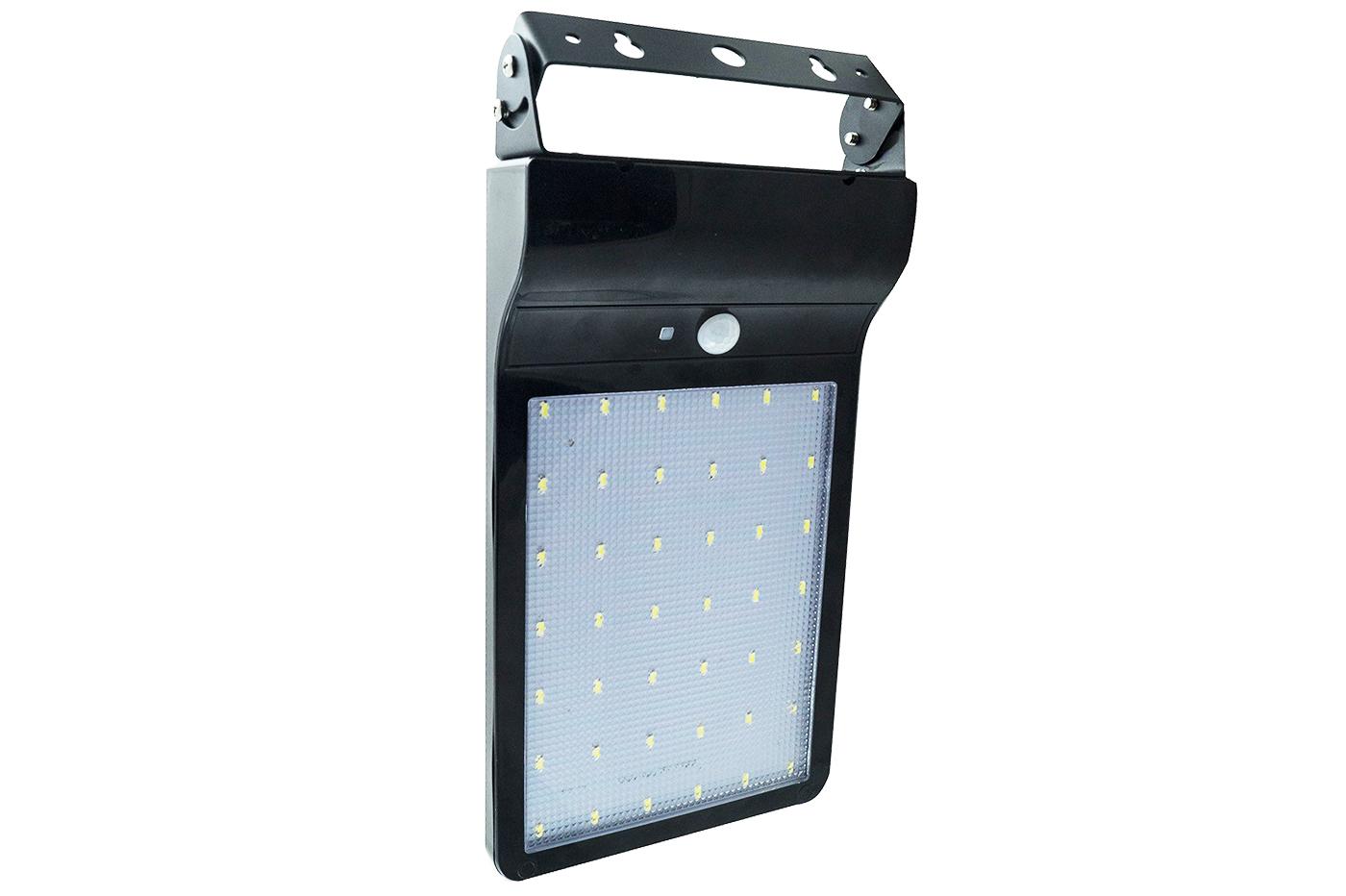 Pannello Solare Per Luce Scale : Bes illuminazione ad energia solare