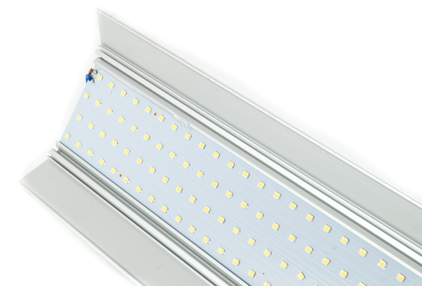 Plafoniera Led 120 Cm Prezzo : Bes plafoniere beselettronica plafoniera lampada